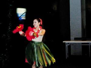 地元リゾートハワイアンズのフラダンス